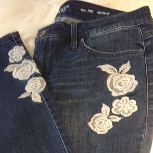 Crown and Ivy skinny ankle embroidered jean, 10R